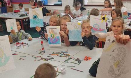 Warszawska Syrenka w plasytycznych ekspresjach uczniow